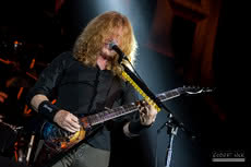 "Megadeth wznawia ""The World Needs A Hero"" i ""The System Has Failed"""