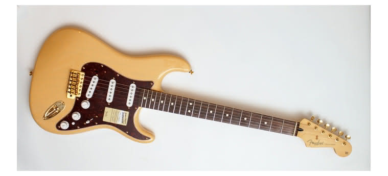 FENDER - Deluxe Players Strat