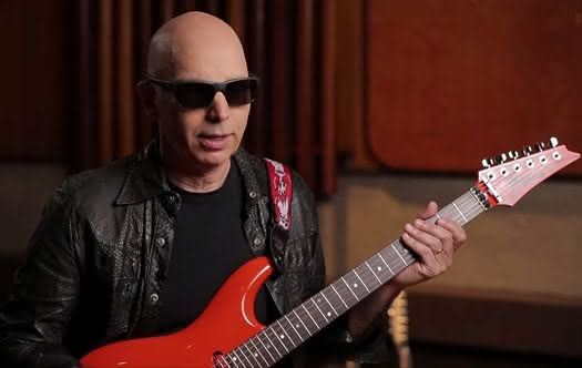 Joe Satriani prezentuje pickupy DiMarzio Satch Track Neck i Mo' Joe