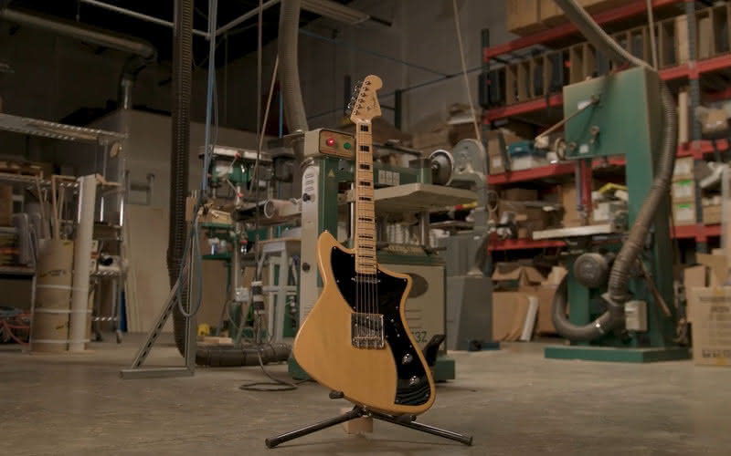 Fender 2018 Limited Edition Meteora z serii Parallel Universe