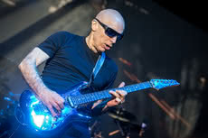 "Joe Satriani zapowiada box ""Beyond The Supernova"""