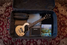 Pierwsza gitara Blackstar - Carry-On Travel Guitar