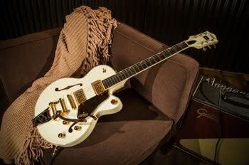 Nowy Gretsch G6659TG Players Edition Broadkaster Jr. Vintage White