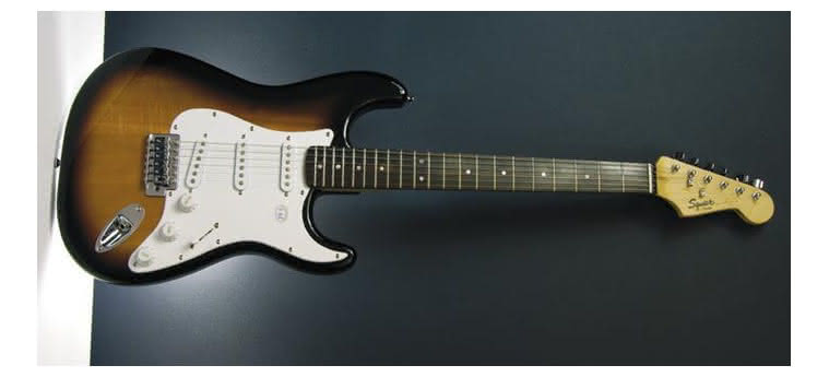 SQUIER - Bullet Stratocaster