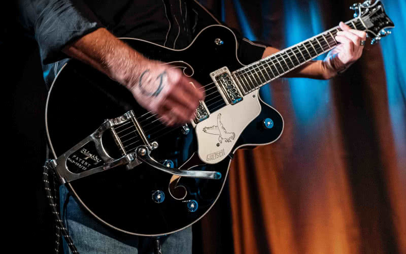 Gretsch G6636TSL Players Edition Silver Falcon