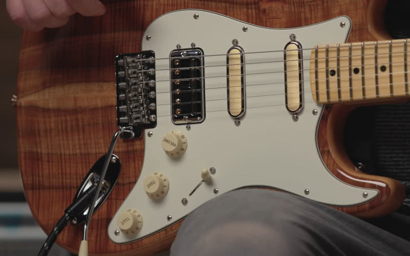 Fender Rarities Flame Koa Top Stratocaster