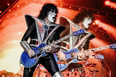 Epiphone Tommy Thayer 'Electric Blue' Les Paul Outfit