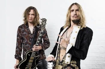 Justin i Dan Hawkins (The Darkness)